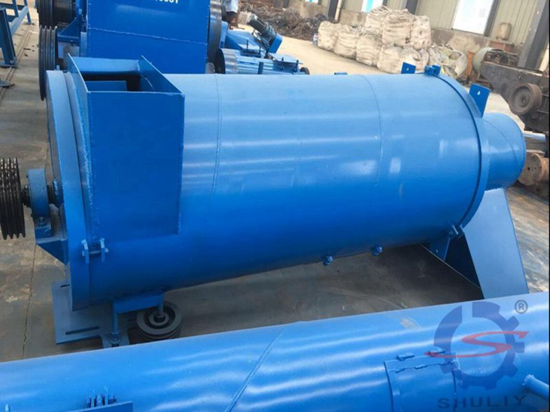 vertical type dewatering machine