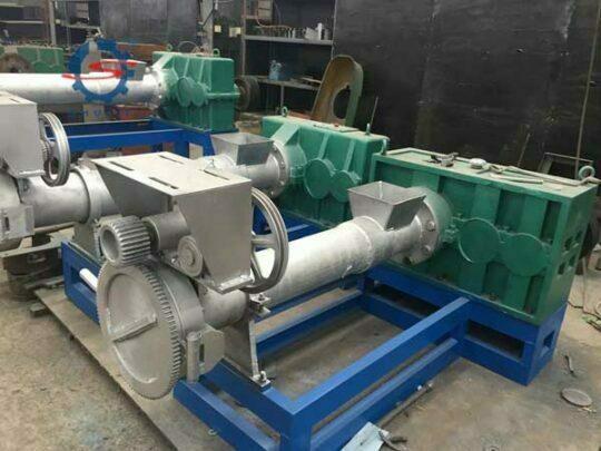 Plastic granule making machine (7)